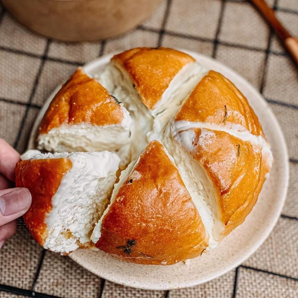 Bánh mì bơ tỏi 6 cánh