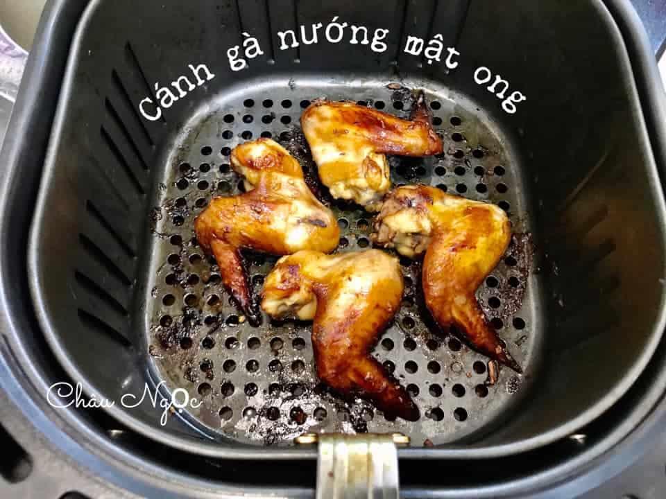 canh ga nuong mat ong bang noi chien khong dau