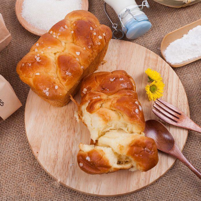 Làm bánh bằng nồi chiên không dầu 1