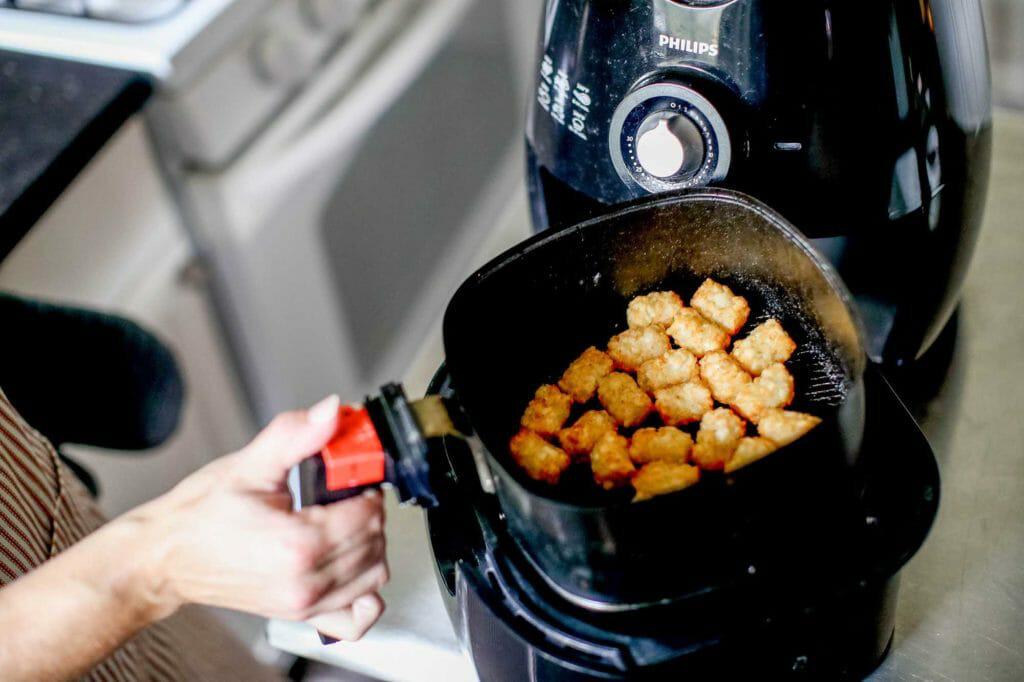 Hâm nóng đồ ăn bằng nồi chiên không dầu 3