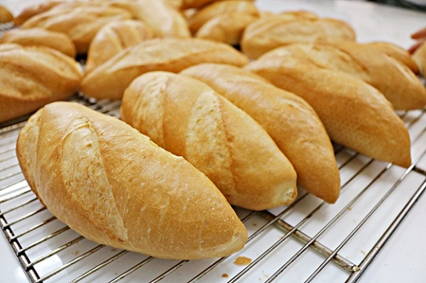 làm bánh mì bằng nồi chiên không dầu 7