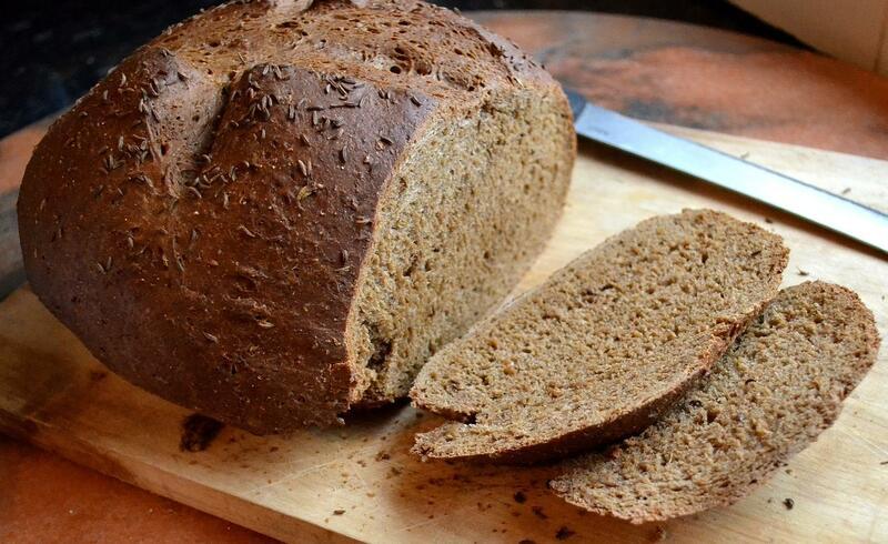 Làm bánh mì đen bằng nồi chiên không dầu