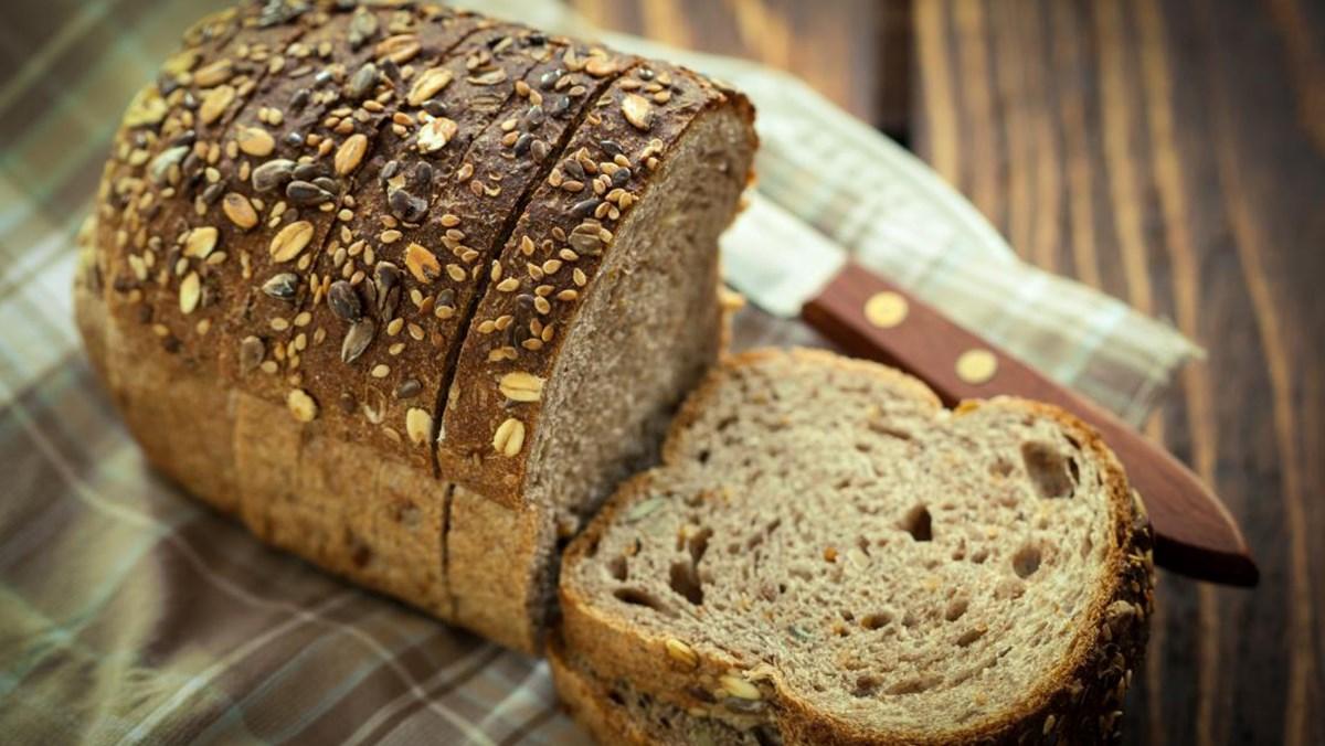 Làm bánh mì đen bằng nồi chiên không dầu 4