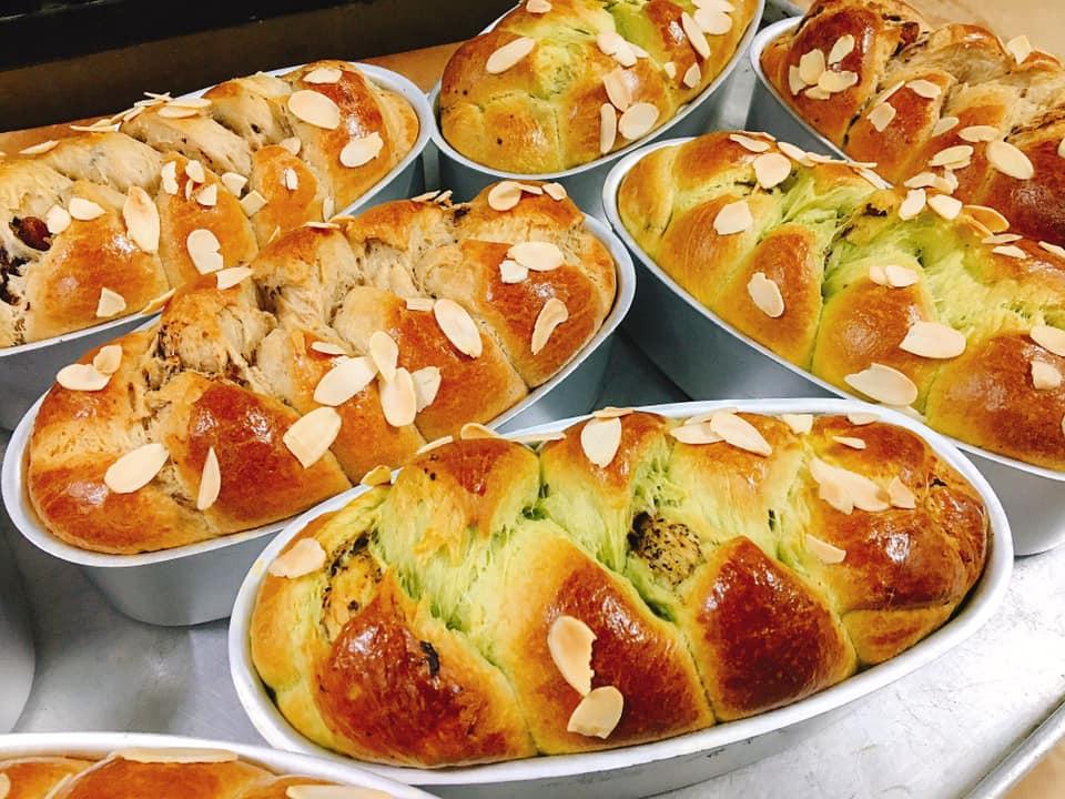 làm bánh mì hoa cúc bằng nồi chiên không dầu 9