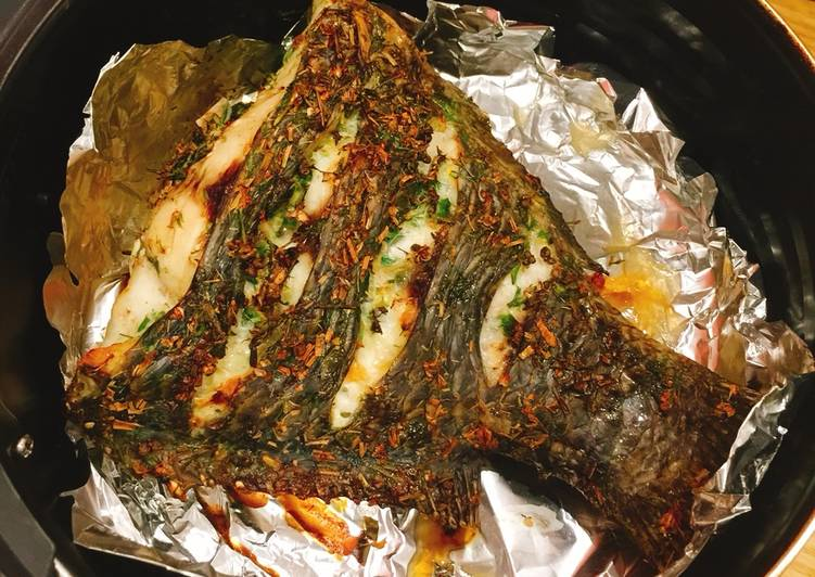 nướng cá bằng nồi chiên không dầu 7
